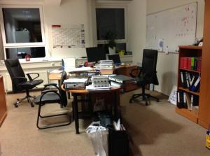 Schreibtisch # 56 Paries vorher